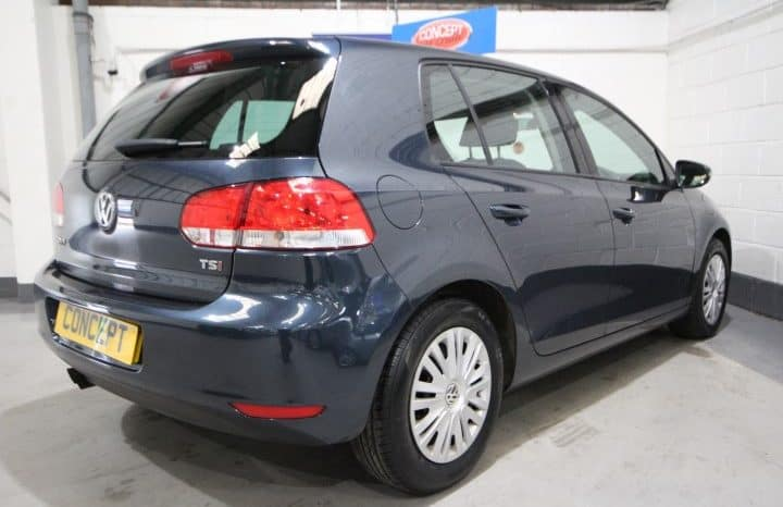 VOLSWAGEN GOLF S TSI full