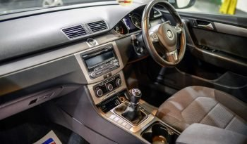 VOLKSWAGEN PASSAT SE BLUEMOTION TECH full