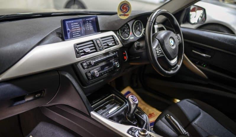 BMW 320D EFFICIENTDYNAMICS full