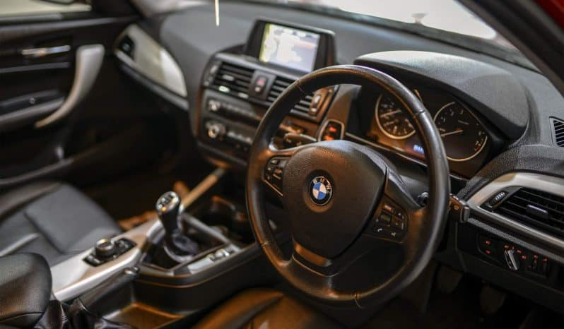 BMW 116I SE TURBO full