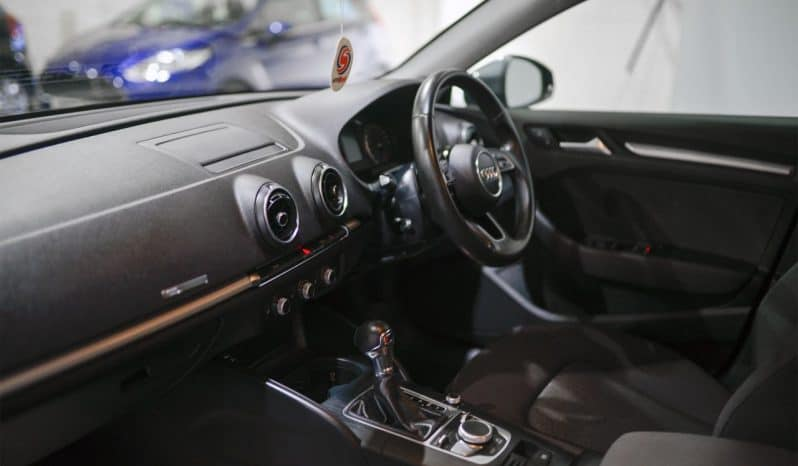 AUDI A3 1.6 TDI SE TECHNIK 5d 109 BHP full