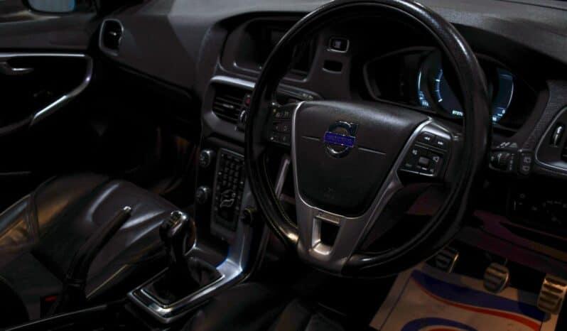 VOLVO V40 1.6 D2 R DESIGN LUX 5d 113 BHP full