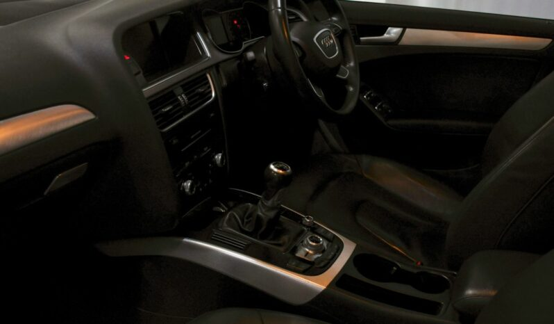 AUDI A4 2.0 TDI SE TECHNIK 4d 134 BHP full